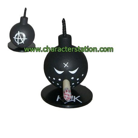 Figurine Mini Bomb Noir par Kozik Toy2R Boutique Geneve Suisse