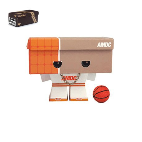 Figurine CardBoy Sneakers Orange par Mark James Playbeast Boutique Geneve Suisse