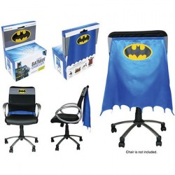 Figurine Cape Batman pour Chaise Exclusive Convention Entertainment Earth Boutique Geneve Suisse