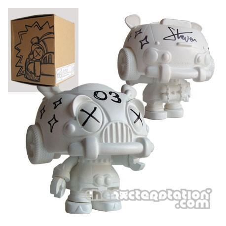 Figur Carbot 03 à customiser by Steven Lee Large Toys Geneva