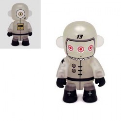 Figurine Qee Spacebot 13 Phosphorescent par Dalek Toy2R Boutique Geneve Suisse