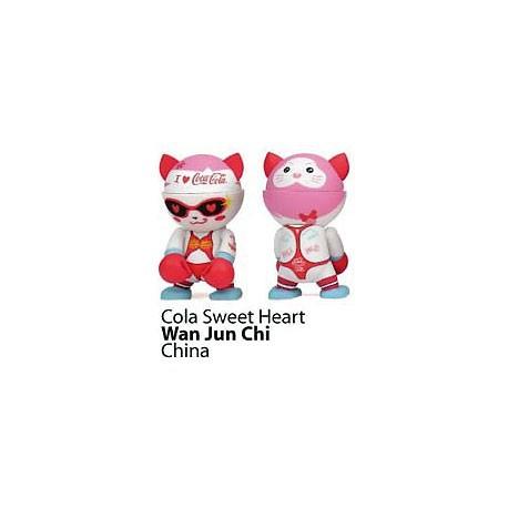 Figuren Trexi Coca-Cola A Better Tomorrow von Wan Jun Chi Play Imaginative Designer Toys Genf